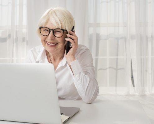 dirbantys pensininkai